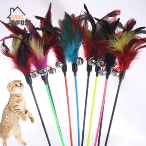 Snailhouse 2020 New Cute 1PCS Hot Sale Cat Toys Cats Stick Feather With Small Bell Natural Safety Pet supplies Random Color Gift
